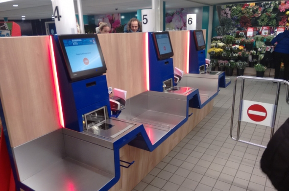 Self Check-Out (SCO) oplossing van Toshiba Tec live bij DEEN Supermarkten
